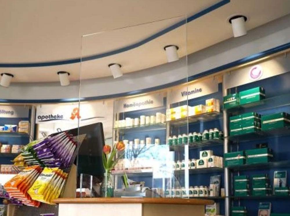 Acrylglas-Aufsteller als Spuckschutz, Hustschutz und Niesschutz